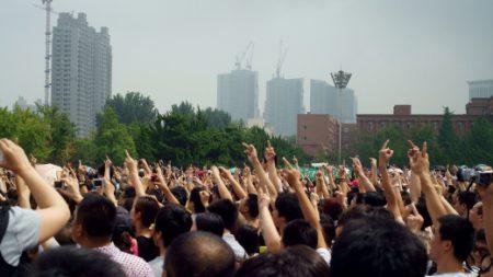中다롄, 3만명 시위로 화학공장 이전약속 받아내