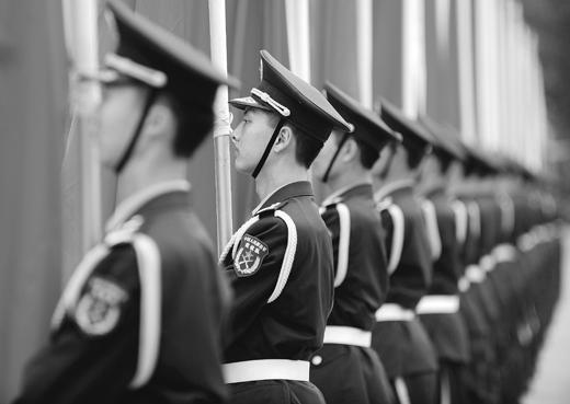 전문가들은 북한에서 급격한 정치 혼란이 발생하면 중국군이 북한으로 진출해 북한지역을 직접 통제할 가능성도 있다고 지적하고 있다. 사진은 열병식을 하고 있는 중국군인. (사진= AFP Getty Images)