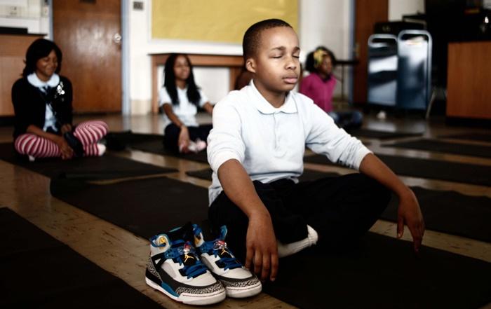 미국볼티모어소재로버트콜만초등학교는교칙을위반한학생들에게방과후지도하는방식을좌선으로대체하자좋은효과를거뒀다. | 트위터캡처