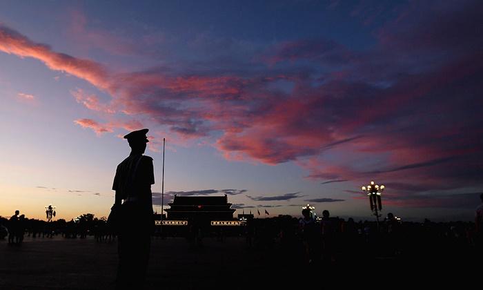 장쩌민파 부패관료를 한 명 잡을 때마다 국민에게 돌아갈 자금을 그만큼 더 추징할 수 있다.   Feng Li/Getty Images