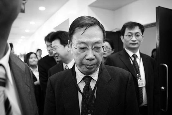 2010년 대만 타이베이에서 열린 컨퍼런스에 참석한 황제푸(黃潔夫) 전 중국 위생부 부부장. 당시 홍콩대학교 학생들은 학교 측이 중국의 강제 장기적출에 연루된 황 전 부부장에게 명예 학위를 수여하는 것에 대해 항의했다. | Bi-Long Song/Epoch Times