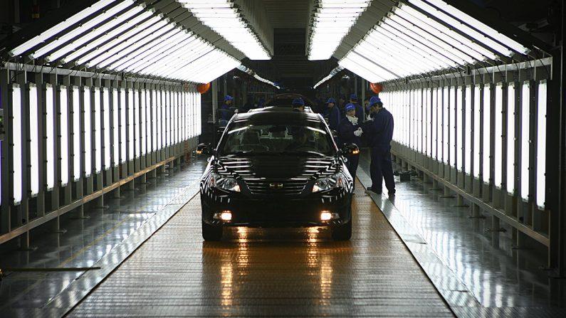 중국저장성닝보에있는지리(Geely)자동차공장.스웨덴의자동차제조사볼보와중국의모(母)회사지리는동일한생산라인에서두브랜드를생산하면서시설을공유하고있다.이런방식은더많은유럽식노하우를지리로이전할수있도록하기위해기획됐다. | AFP/GettyImages