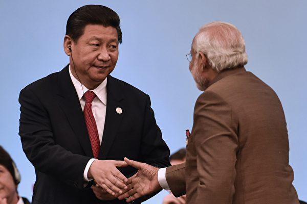 시진핑 집권 후 중국의 국제 외교정책이 기존 공산당의 투쟁 위주에서 유연한 방식으로 바뀌면서 국가 간 갈등 양상은 완화되는 추세를 보여 왔다.| AFP/Getty Images