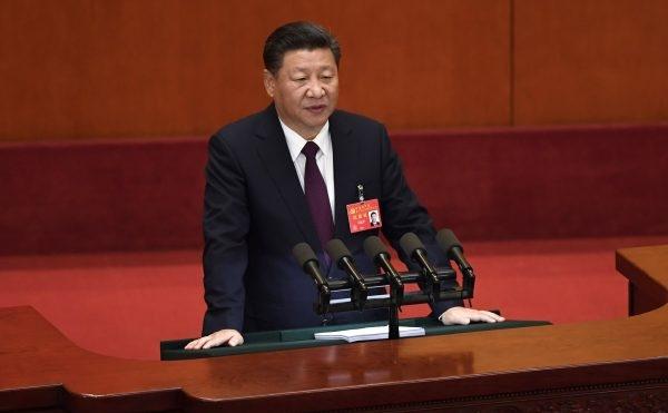 공산주의가세계로부터전면적인타격을받고있는현시점,기로에서있는중국은어디로갈것인가하는문제가중대한시험대에놓여있다.| GettyImages