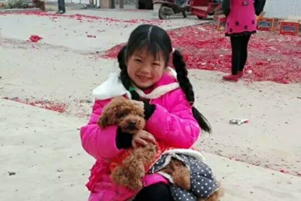 중국후베이(湖北)성황메이(黄梅)현에사는여아타오슈리(陶秀丽,9)의생전모습. | 가족제공