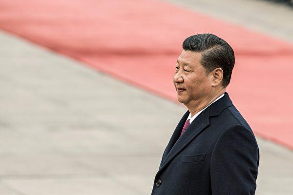 최근 중국 공산당은 헌법 개정을 통해 국가주석과 부주석의 임기 제한을 없앨 것을 제안해 각계의 이목을 끌고 있다. | FRED DUFOUR/AFP/Getty Images