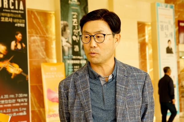 """【션윈 관객 인터뷰】 """"션윈, 아름답고 품격 높아"""""""