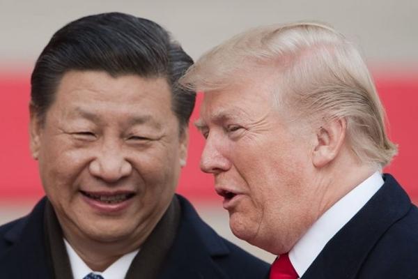 11월 9일 베이징 인민대회당 환영식에 참석하는 시진핑 주석과 트럼프 대통령 | Nicolas Asfouri/AFP/Getty Images