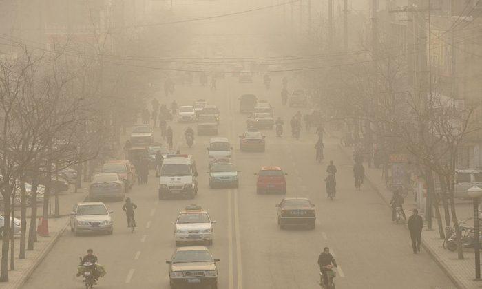 산시성 린펀시 주요 도로에서 본 스모그. 2009년 12월 9일 | Peter Parks/AFP/Getty Images