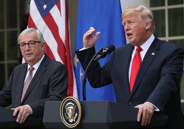 7월 25일, 트럼프 미국 대통령과 장클로드 융커 유럽연합 집행위원장은 미국과 유럽이 자동차를 제외한 모든 분야에서 '무관세, 무 비관세 장벽, 제로 보조금'을 추진하기로 합의했다. | Getty Images