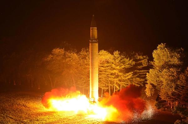 북한과 이란의 핵무기 개발 배후에는 모두 중국 공산당의 은밀한 협조가 있었다. | STR/AFP/Getty Images