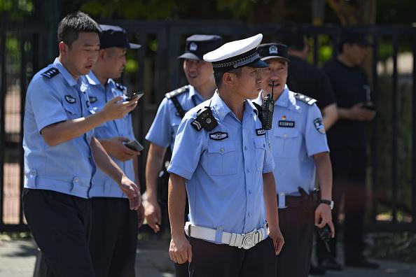 중국 대부분 성(省)급 공안국이 2016년부터 휴대전화에서 데이터를 추출하는 장비를 구입하고 있다.| GREG BAKER/AFP/Getty Images