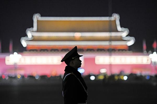 베이징당국이'10년항미대계(抗美大計)'를획책하고있는것으로,당분간무역전쟁에서쉽게양보하지않을것임을표명하는것이다. 하지만 베이징 당국이 정말 저력이 있고, 10년에 이르는 지구전을 펼칠 수 있을까? | Getty Images