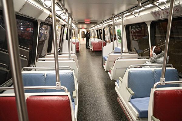 중국 국유 철도차량 제조업체인 '중궈중처(中國中車)'가 워싱턴 DC 지하철 운영 회사의 지하철 프로젝트 입찰을 시도하자 미국 각계에서 안보를 우려하고 있다. 사진은 워싱턴 지하철 객실이다.   Patrick Smith/Getty Images