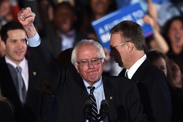 2016년 미국 대통령 선거에서 민주사회주의자임을 자처한 버니 샌더스는 젊은 유권자들의 표심을 자극했다. | Jewel Samad/AFP