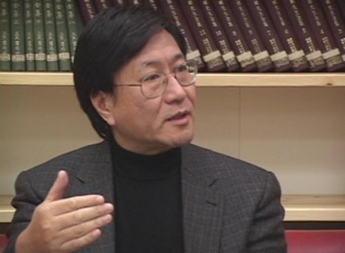 프린스턴대학 사회학 박사이자 정치‧경제학자인 청샤오농(程曉農) 박사가 무역전쟁하의 미‧중 관계에 대해 분석하고 있다. | 에포크타임스