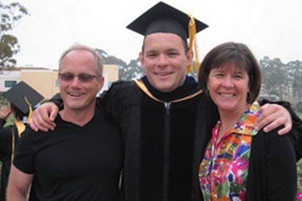 미국 사법부는 지난달 말, 화웨이를 기소한다고 발표했다. 따라서 화웨이 때문에 억울하게 죽었다고 믿는 셰인 토드(Shane Todd)의 어머니는 자식을 위해 정의를 펼칠 희망이 다시 생겼다. | 셰인 토드(Shane Todd)의 가족 제공