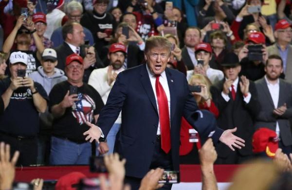 도널드 트럼프 미국 대통령은2019년 2월 11일 텍사스 주 엘파소에서 열린 엘파소 카운티 콜로세움 집회에 참석했다. | Joe Raedle/Getty Images
