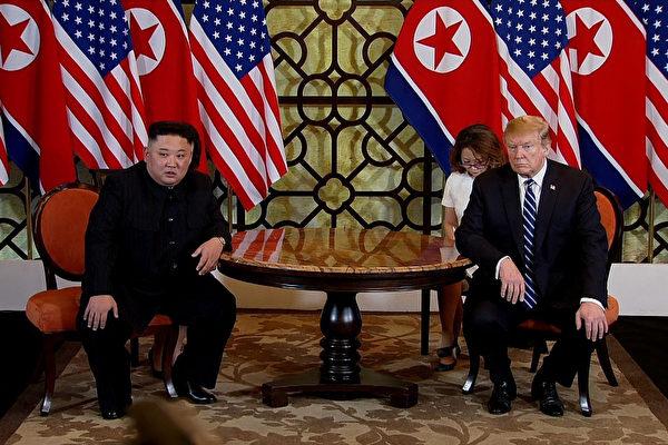 트럼프 미국 대통령과 북한 김정은 위원장은 지난 2월 28일 오전 협상을 마친 뒤 오찬과 공동합의문 서명을 전격 취소했다. |Vietnam News Agency/Handout/Getty Images