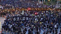 홍콩 시위대 겨냥한 백색테러…임산부까지 무차별 공격 (영상)