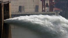 제방 변형된 싼샤댐은 잠재적 폭탄..댐 하류 400만명 하루하루 불안감