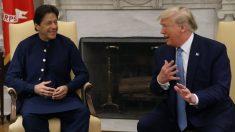 """파키스탄 칸 총리, 트럼프와 첫 만남 """"아프간 전쟁 종전에 양국 협력"""""""