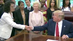 트럼프, 파룬궁 수련자 등 종교 박해 생존자들과 백악관서 만남
