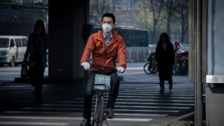 """[오피니언] 존 롭슨 """"'깨끗한, 녹색 개발'이라는 중국의 망상"""""""