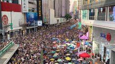 홍콩 시위대, 최루탄·주머니탄 쏘는 경찰 강경진압에 '물처럼' 지혜롭게 대응
