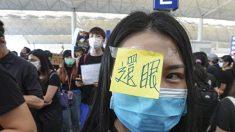 홍콩 경찰 근거리 사격에 여성 실명…시민들, 한쪽 눈 가리고 항의