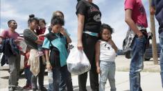美 국경 넘는 불법 이민자들, 석방 우선권 위해 과테말라서 아동 80달러에 사들고 월경