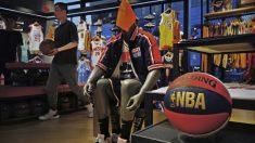 """관객은 """"프리 홍콩"""" 외치고 중국 기업은 """"NBA 보이콧""""…美中 홍콩시위 지지 갈등"""