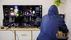 '게임으로 홍콩시위 현장 체험'..홍콩 시위대 출신 개발자 3D 게임 제작