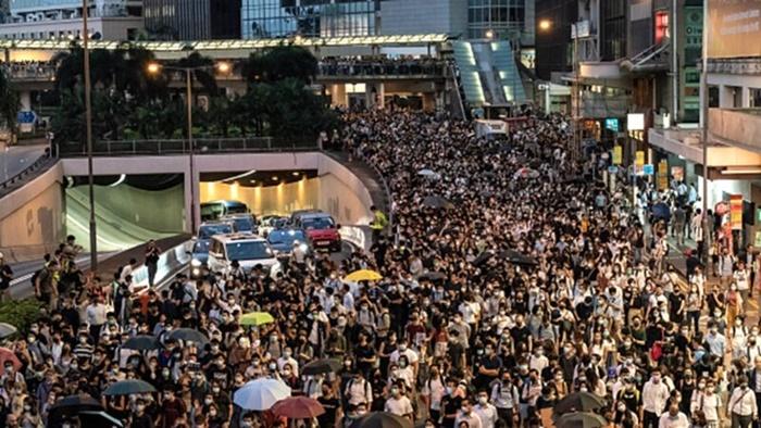복면금지법 반대를 위해 나온 시위대 2019.10.4 | Anthony Kwan/Getty Images