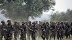 중공군, 홍콩 시위현장 '청소작전'…군 투입 가능성 경고?