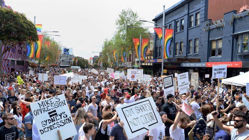 지난 2016년 10월 9일 호주 시드니에서 '록아웃 법'에 항의하는 시위가 벌어지고 있다.   EPA=연합뉴스