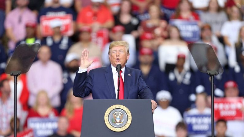 미국 뉴욕에서 열린 재향군인의 날 퍼레이드 개막식에서 연설하는 도널드 트럼프 대통령. 2019.11.11.|Spencer Platt/Getty Images