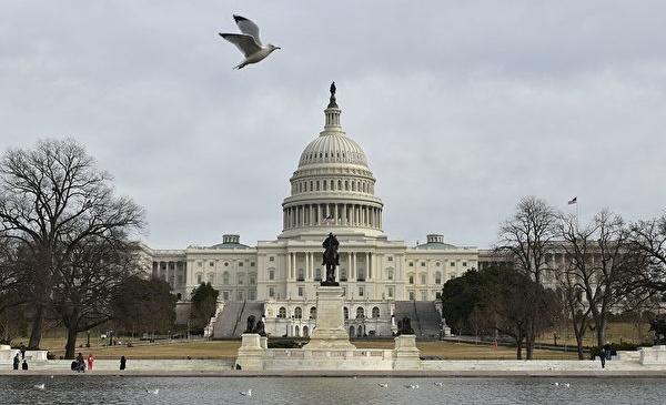 미국 정부는 중국 공산당이 미국 소프트파워를 잠식하는 행동에 대항하기 위하여 새로운 표준어 방송 네트워크를 준비하고 있다.   MARK RALSTON/AFP via Getty Images