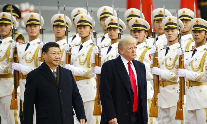 도널드 트럼프 미국 대통령(우)과 시진핑 중국 공산당 총서기(좌) 2017.11.9   Thomas Peter-Pool/Getty Images