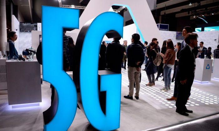 바르셀로나에서 열린 모바일 월드 콩그레스(MWC) 스탠드에 5G 간판이 전시돼 있다. 2019. 2. 25. | AFP=연합뉴스
