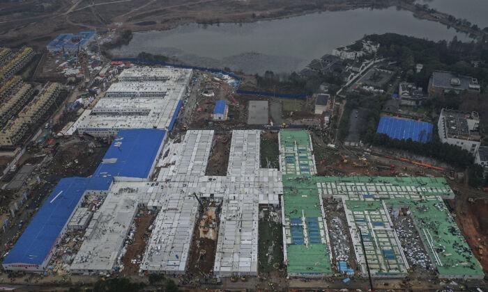 중국 우한 화션샨(火神山) 병원 완공이 가까워지고 있다. 2020. 2. 2. | Stringer/Getty Images