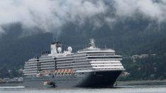 신종코로나 공포에 갈 곳 잃은 크루즈 여객선, 5개국 입항 거부에 '갈팡질팡'