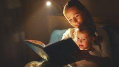 """어렸을 적 가장 기억에 남았던 말 """"옛날 옛적에""""…아이에게 동화 들려줘야 할 이유"""