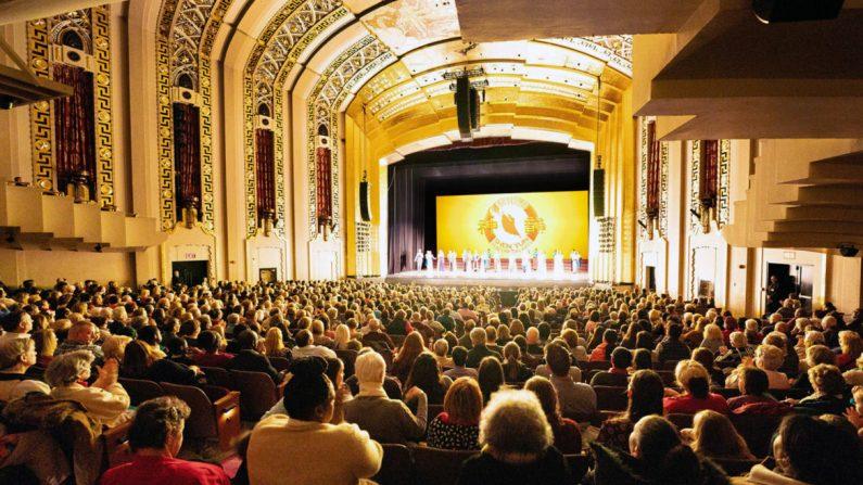 코네티컷주 하트퍼드에 있는 부쉬넬 공연 예술센터 윌리엄 모텐슨 홀에서 션윈 뉴에라예술단의 커튼콜. 2020. 2. 8. | Edward Dye/The Epoch Times