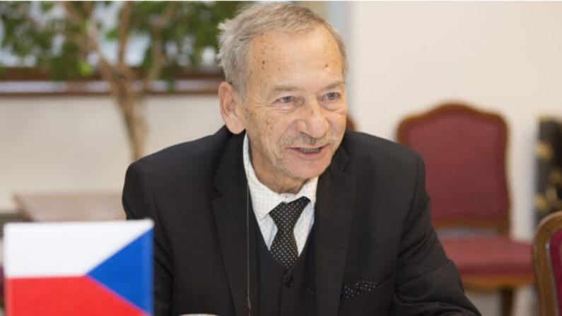 야로슬라프 쿠베라 전 체코 상원의장 | Senat.cz