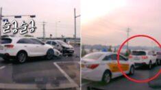 출근길에 슬금슬금 내빼는 뺑소니범 목격하고 차 돌린 시민들 (영상)