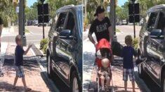 가정교육 잘 받은 아이가 길에 쓰레기 버리는 사람을 목격했다 (9초 영상)