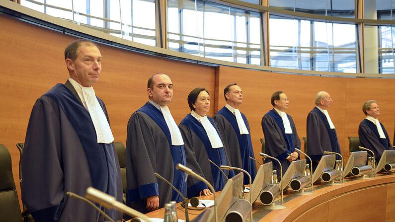기사와 직접 관련 없는 자료사진. 국제해양법재판소 재판관들 | PATRICK LUX/AFP via Getty Images