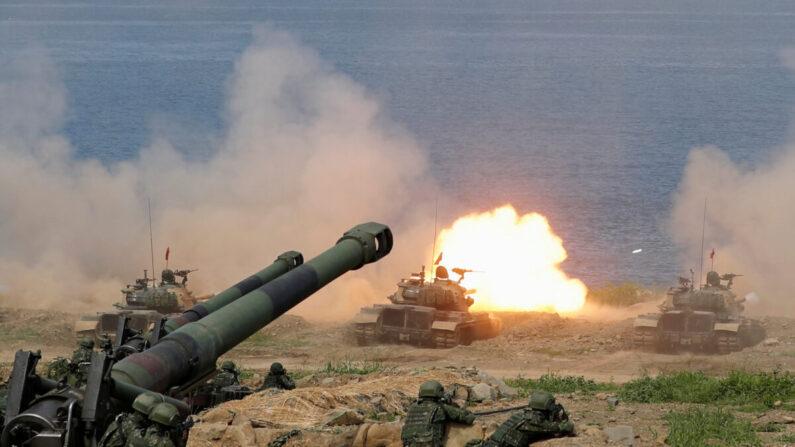대만군이 핑둥현 해안에서 중공군 침공에 대비해 모의훈련을 하고 있다. 2019년 5월 30일 | 로이터=연합뉴스