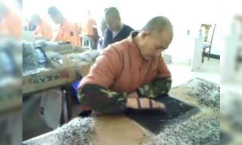 지난해 유출된 중국 선양에 위치한 마싼자(馬山家) 노동교양소의 강제 노역 모습 | 화면 캡처